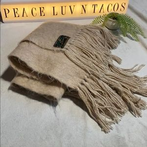 Accessories - LLAMA 🦙 Industria Argentinia oversized scarf/wrap